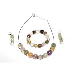 Collar de gemas variadas